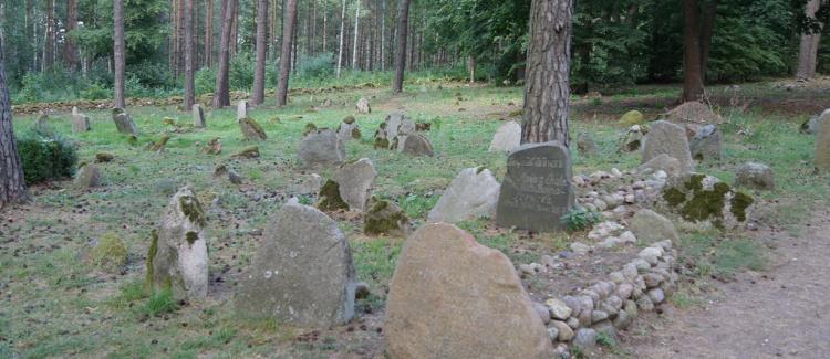 Międzyreligijny apel o poszanowanie cmentarzy