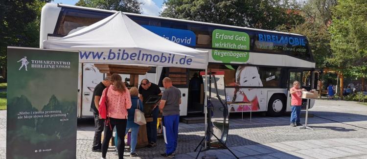 Bibliobus odwiedził Polskę