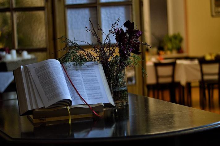 """Gra miejska """"noc kościołów protestanckich"""" – relacja"""